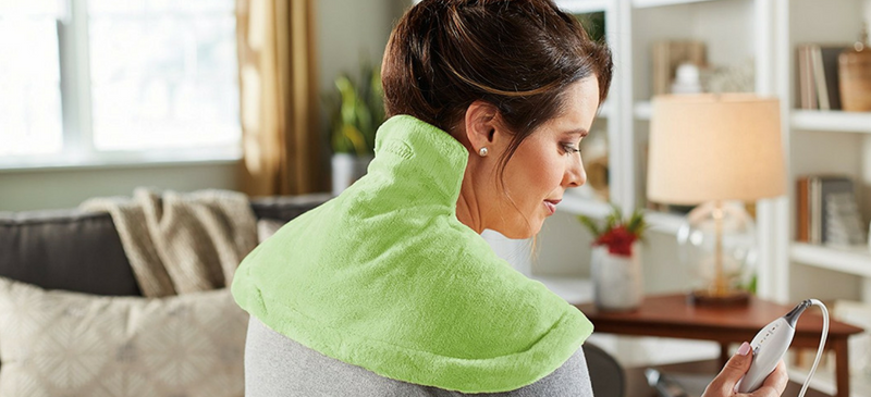 Neck and shoulders heating pads