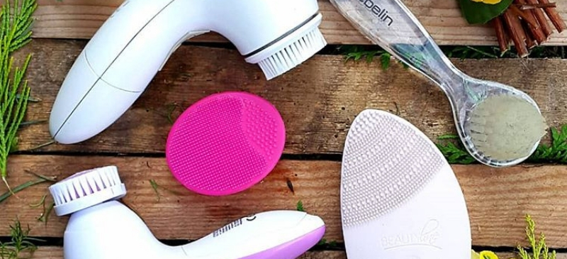 Facial cleansing brushes reviewed